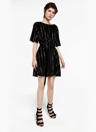 Çizgili Volanlı Elbise-Twist